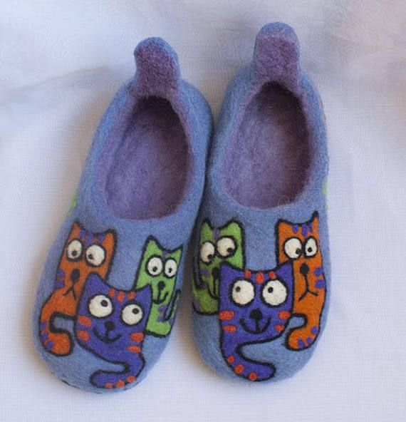 Felted slippers/ felt slippers/ wool slippers/ Cats/