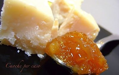 Chutney di arance e cipolle... confettura agrodolce per formaggi.