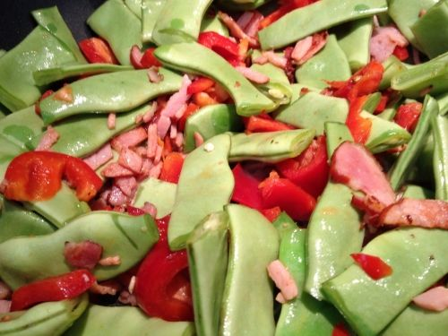 Try an amazing combination - seven year beans, stir fried with red capsicum and hickory smoked bacon.  Serve these beans with Baked Chicken Legs in Home-made Ketchup for an amazing dish.  Recipes kidsveges.com