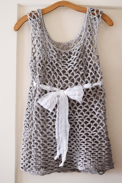 free pattern for a very simple top! Maize Hutton: Little Crocheted Top  Wife beater Kawaii style?