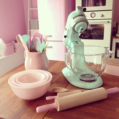 Pink & Mint Kitchen.. So Girly And Cute At The Same Time