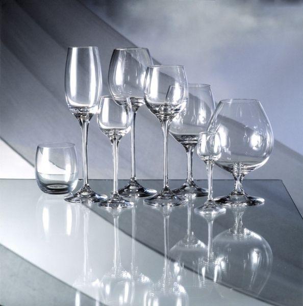 Kolekcji Fontaine z ręcznie dmuchanego szkła, zaprojektowana przez Michaela Banga dla marki Holmegaard