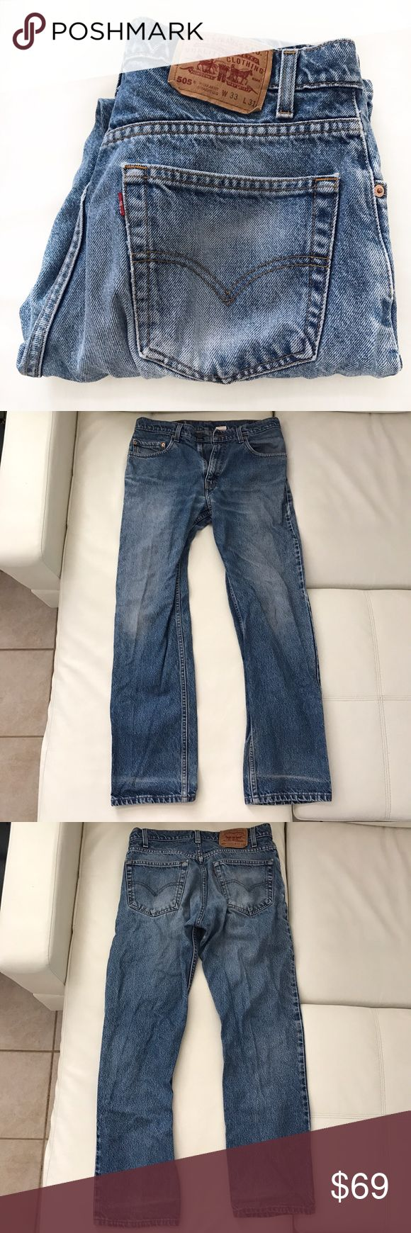 "LEVI'S 505 jeans medium wash high waist size 33 Classic jeans in a vintage wash. Great condition.  👖Waist 33"" 👖Rise 11"" 👖Inseam 30"" Levi's Jeans Straight Leg"
