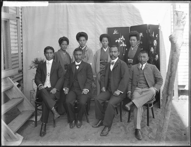 229377PD: Members of the Japanese community in Broome, ca 1910 http://encore.slwa.wa.gov.au/iii/encore/record/C__Rb4624321?lang=eng