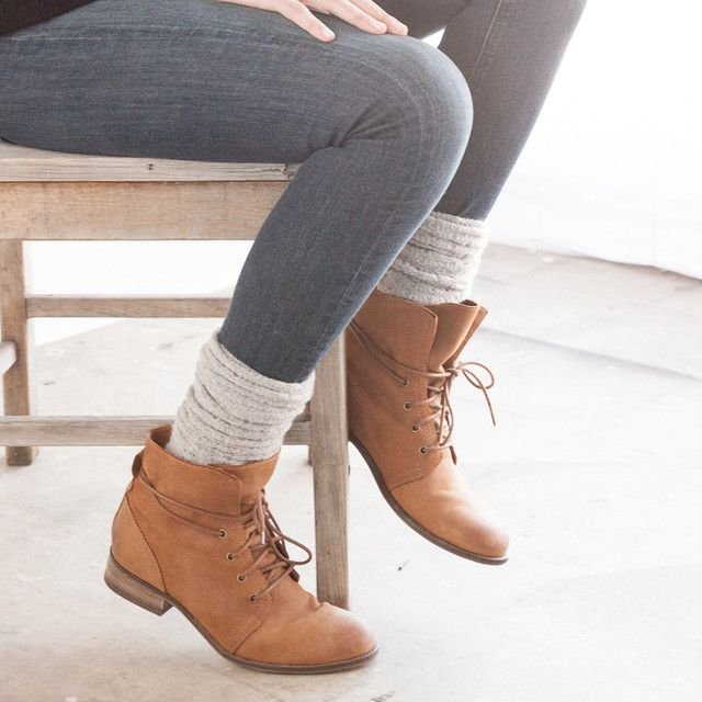 I'm really wanting some short boots like this for fall.