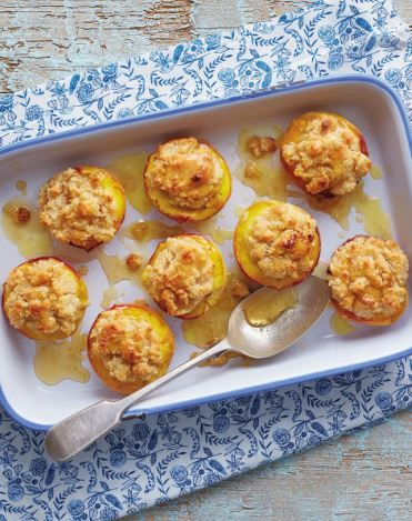 Emma Critchley, Team GB's synchronised swimming athlete, loves peaches! This baked version is a tasty dessert :)