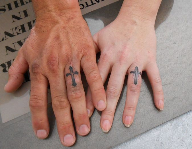 27 best unique wedding ring tattoos images on pinterest wedding ring tattoos marriage ring. Black Bedroom Furniture Sets. Home Design Ideas