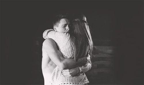 ♥... Plus je suis éloigné de toi…Et plus je me rends compte à quel point je t'aime…  Comme tu me manque et à quel point je ne pourrais vivre sans toi… ♥