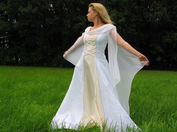 Brautkleid Hochzeitskleid - große Größen - Mollige von Corde ...