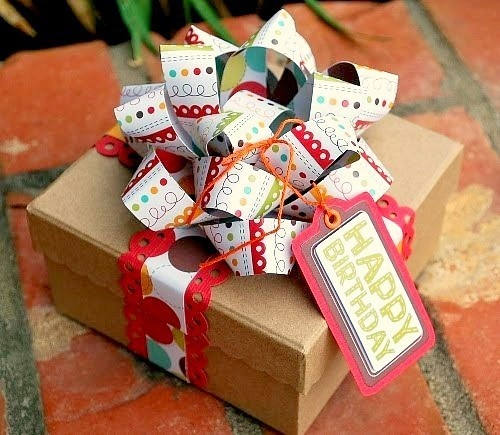 birthday: Gifts Ideas, Bows Tutorials, Gifts Bows, Paper Bows, Diy Gifts, Scrapbook Paper, Gifts Wraps, Wraps Gifts, Wraps Ideas