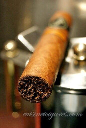 #Davidoff Nicaragua cigar ... Burn!