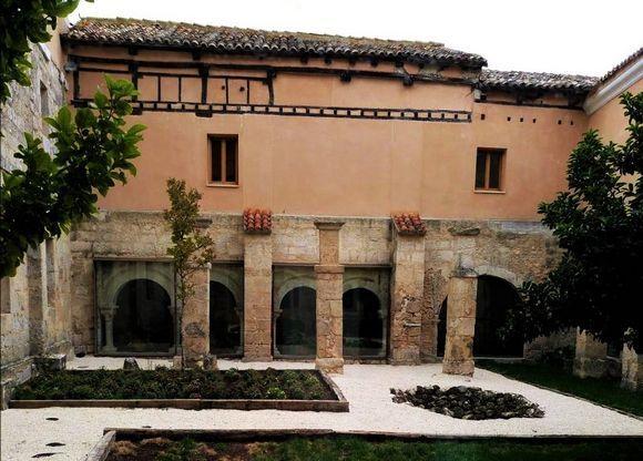 Burgos Tortoles De Esgueva Hotel Rural El Monasterio Escondido