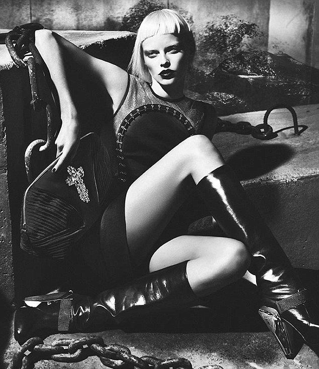 Versace's Gothic and Edgy Fall 2012 Fashion Ad Campaign.: Ads Campaigns, Elza Luijendijk, Fall 2012, Mert Marcus, Fashion Photography, Ad Campaigns, 2012 Campaigns, Mert Alas, Versace Fall