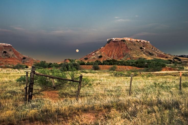 Moonrise, Gloss Mountains State Park, Oklahoma by Jason ...