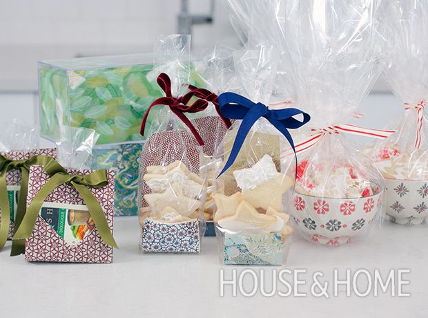 Brilliant Holiday Cookie Wrapping Ideas: Get ideas for packaging your holiday cookies this season! Photo: Jason Stickley