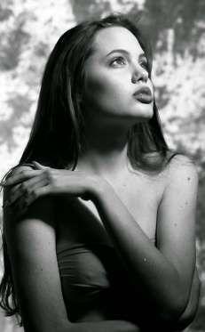 Langdon asegura que fue muy sencillo realizar la sesión con Angelina, pues acataba bien las instrucc... - actitudfem.com