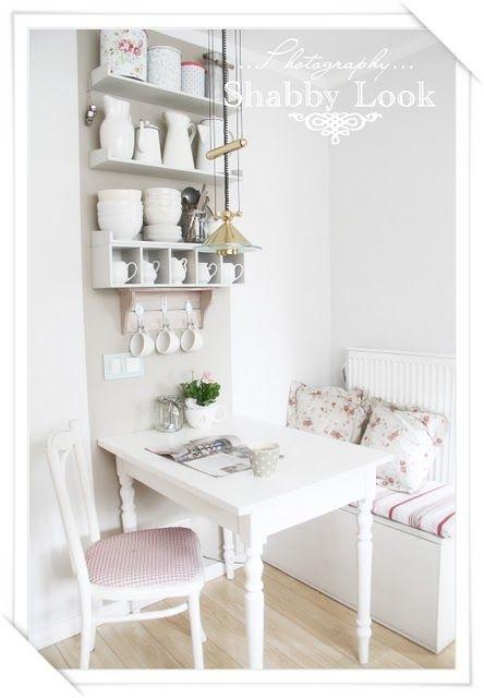 breakfast nookDining Room, Breakfast Nooks, Shabby Chic, Kitchens Dining, Small Nooks, Kitchens Nooks, Nooks Ideas, Small Spaces, Kitchens Storage