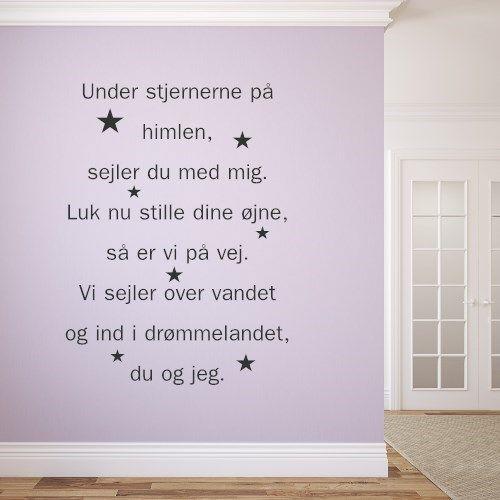 wallstickers med tekst under stjernerne på himlen