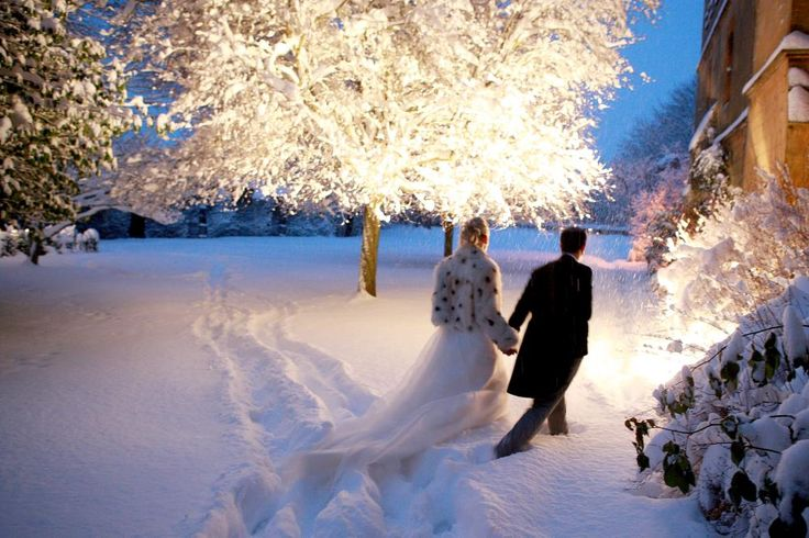 Remembering the perfect Christmas wedding