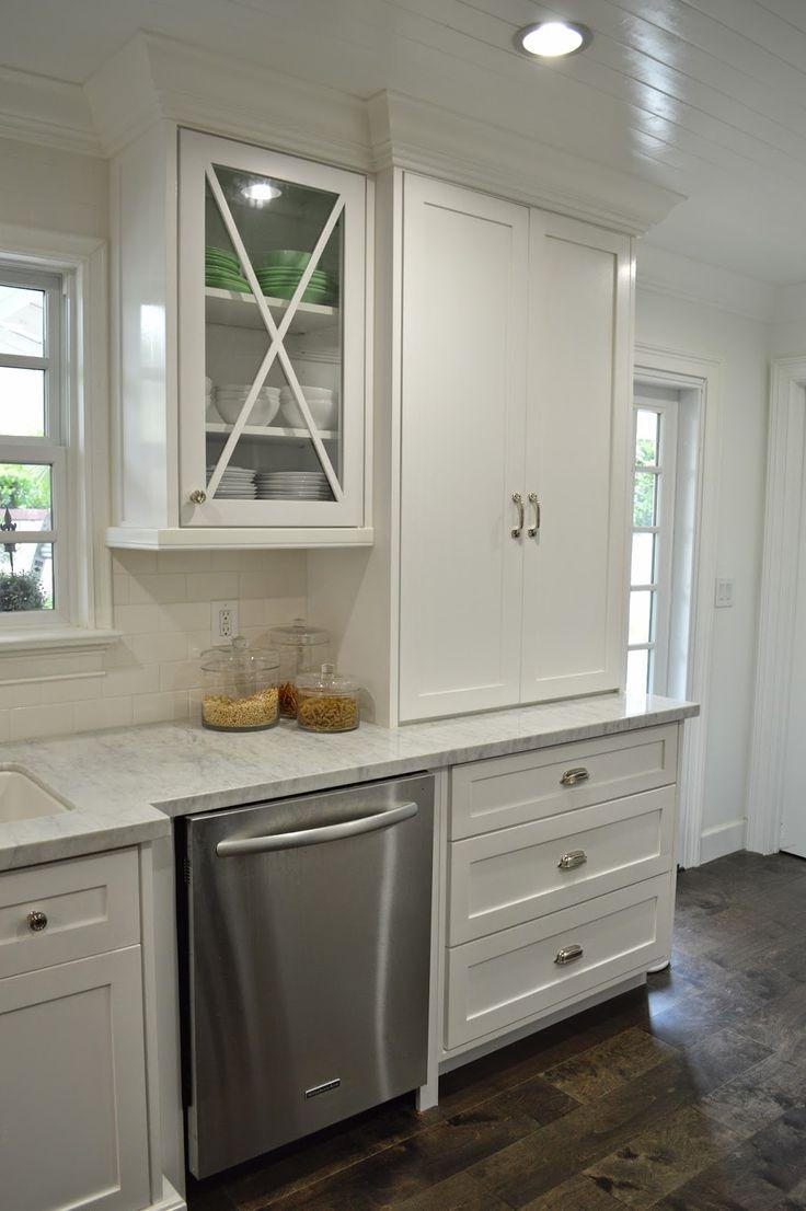 best 25 cape cod kitchen ideas on pinterest cape cod style coastal inspired kitchen wine. Black Bedroom Furniture Sets. Home Design Ideas