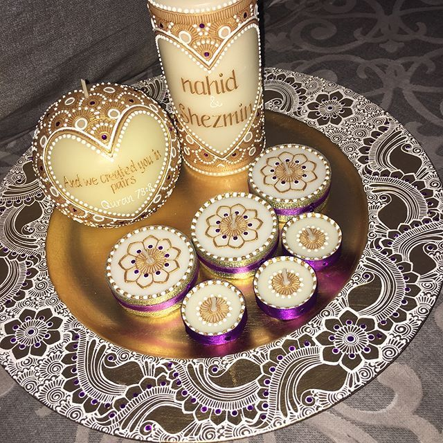 Another beautiful set, gold seems to be very popular #mehndi #mendhi #henna #mehndiart #mehndiartist #bridal #bridalhenna #bridalmehndi #bridalmendhi #hennaart #hennaartist #mendhiart #mendhiartist #hennacandle #mehndicandle #mendhicandle #hennathaals #thaal #mehndithaal #mendhithaal #hennathaal #intricatemehndi #intricatehenna #intricatemendhi #vegas_nay #shaadi #lookamillion #hudabeauty #zukreat #mayamiamakeup