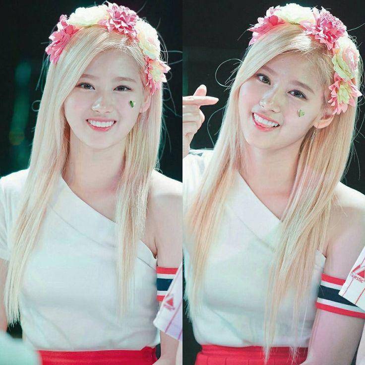 [] miss sana's long blonde hair it's so beautiful & attractivehehe but sana's hair now make her more cuteindeed NO SANA NO LIFE  #twice#twicetagram#kpop#jypentertainment#sana#twicesana#sanatwice#minatozakisana#twicesignal#트와이스#사나#サナ#nosananolife