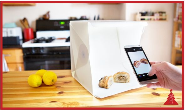 15th DECEMBER FOLDIO by Orangemonkie to give to: wannabe photographers, smartphones obsessed, ebay addicted, food bloggers FOLDIO is an ultra-portable (foldable) light box for smartphone shutterbug...