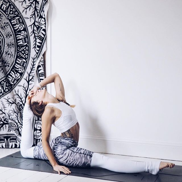 Alo Yoga Goddess Legging #yoga #inspiration