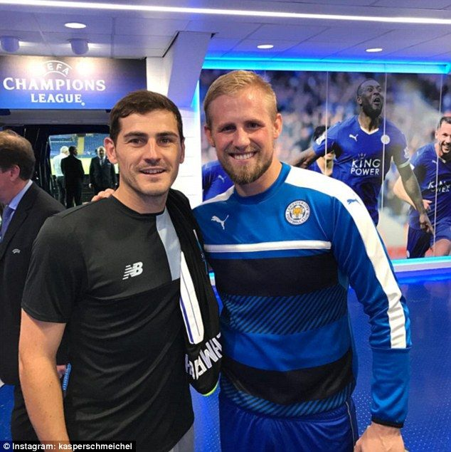 Leicester goalkeeper Kasper Schmeichel (right) posed with Iker Casillas after beating Porto