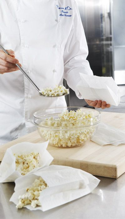 STORING & PACKING. SAGA Deli Bags are ideal for serving finger food such as popcorn and chips.