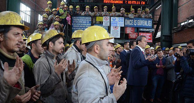 """30 işçinin öldüğü maden faciasının 7. yıl dönümü Sitemize """"30 işçinin öldüğü maden faciasının 7. yıl dönümü"""" konusu eklenmiştir. Detaylar için ziyaret ediniz. https://8haberleri.com/30-iscinin-oldugu-maden-faciasinin-7-yil-donumu/"""