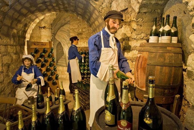 Musée du vin - Scène Champagne  Paris has a museum of wine!