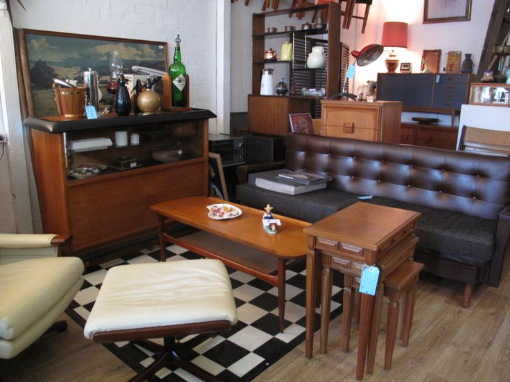 We upcycle, recycle & restore secondhand furniture & homewares.