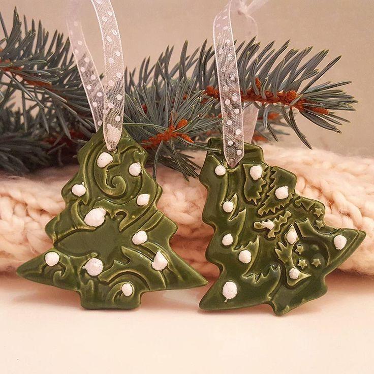 """38 kedvelés, 3 hozzászólás – Ceramiss Ceramic (@ceramiss) Instagram-hozzászólása: """"Ezeket a karácsonyfa díszeket valaki megdobálta hógolyókkal. Hm  / Christmas tree with snowball…"""""""