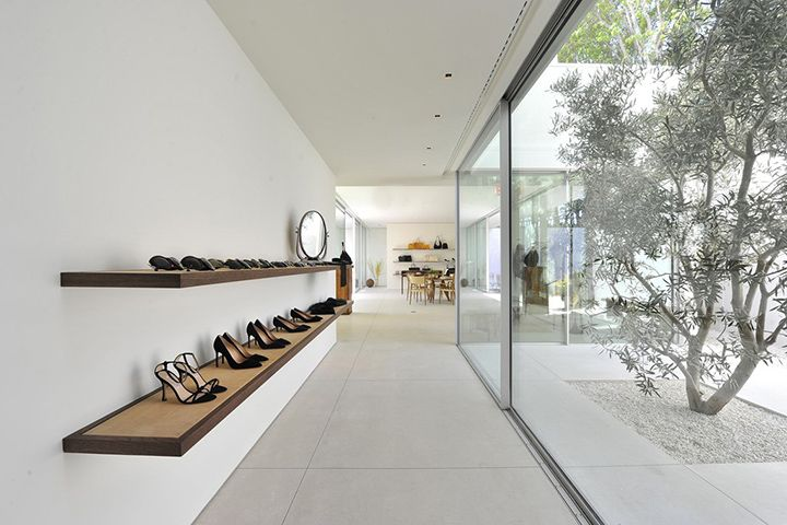 The Row Does Retail - DeSmitten Design Blog