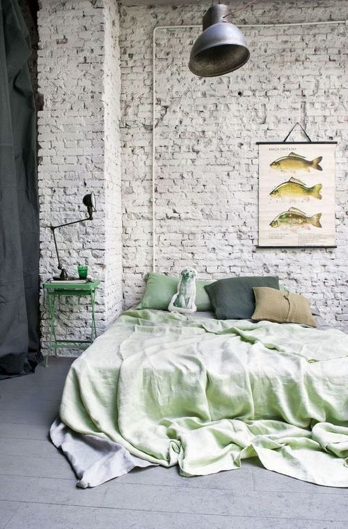 Le vert se décline dans la chambre. | ✕ home sweet home ✕ | Pinterest