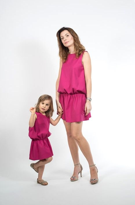 Set of matching dresses in beautiful fuchsia. Price of set : 170 EUR