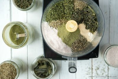 Ravitseva Ateriat: Kotitekoinen Yrttistä merisuola Resepti (Herbamare)