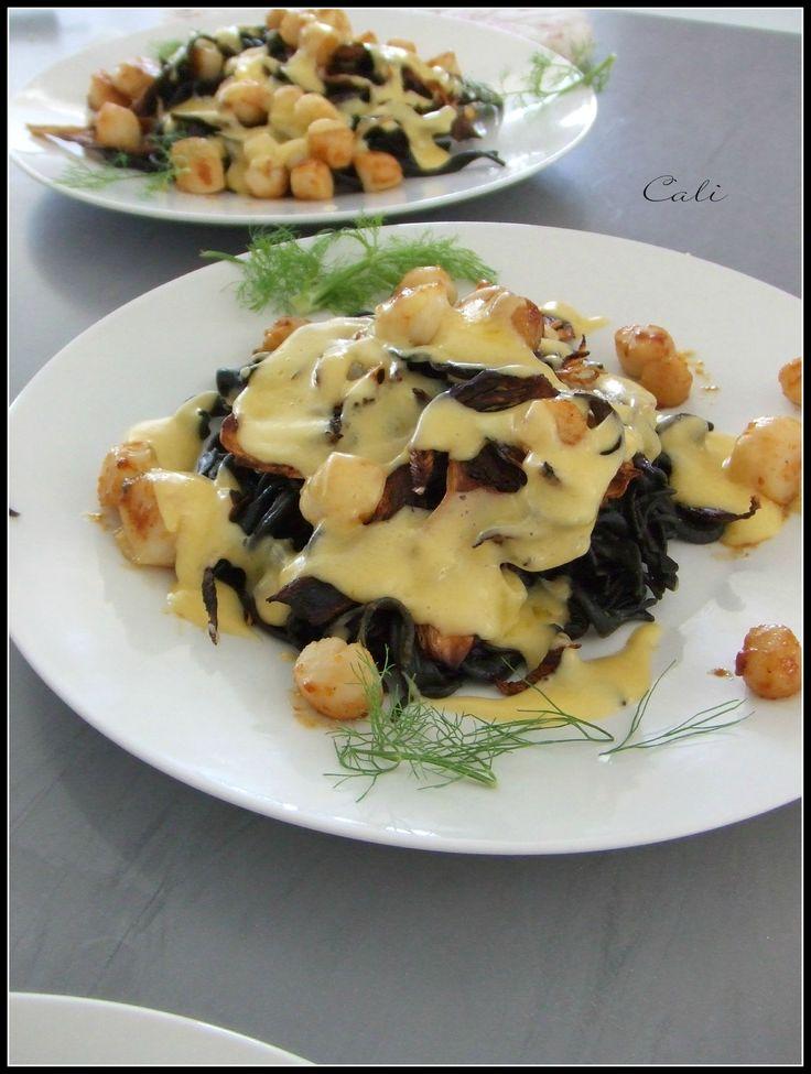 Pâtes à l'Encre de Seiche, Pétoncles de St Jacques, Fenouil Grillé & Sauce Sabayon à l'Orange 001