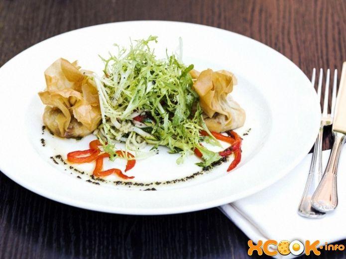 Как приготовить теплый салат с козьим сыром?