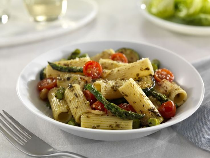 Looking for an authentic Italian recipe? Try Barilla's step-by-step recipe for Barilla® Collezione Rigatoni with Pesto & Roasted Vegetables for a delicious meal!