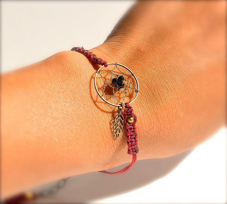 Bracelet attrape rêve bronze, macramé bordeaux et perle noire -Bijoux ENORA-