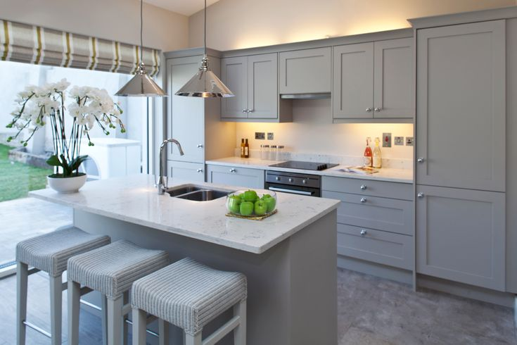 Kitchen - grey cabinets with white quartz worktop