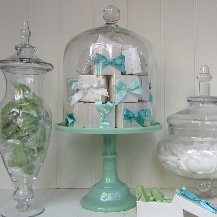 158 best my love of cloches images on pinterest bell for Cloche verre decorative
