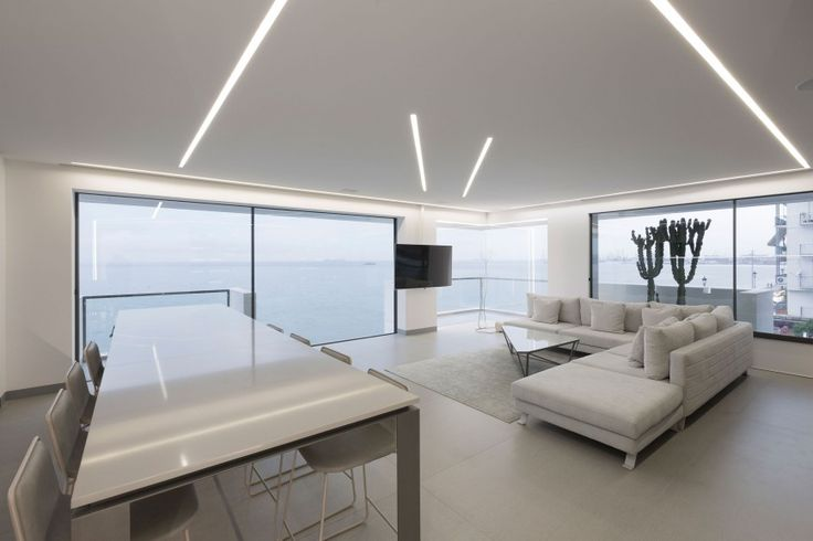 The floating apartment: Ένα σύγχρονο διαμέρισμα που «πλέει» πάνω από τη θάλασσα της Θεσσαλονίκης