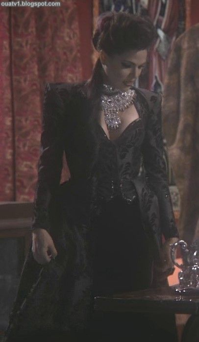 ouat-evil-queen-outfits