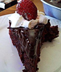 Εύκολη σιροπιαστή σοκολατόπιτα με γλάσο μερέντας !!! ~ ΜΑΓΕΙΡΙΚΗ ΚΑΙ ΣΥΝΤΑΓΕΣ