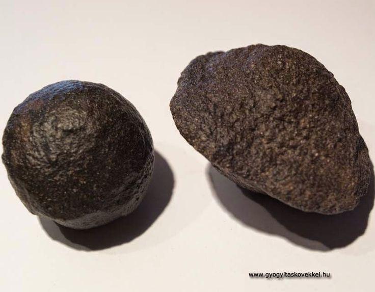 Moqui márvány (moqui marbles, limonit gömbök)