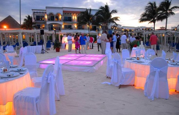 beach wedding reception light up dance floor and tables. Black Bedroom Furniture Sets. Home Design Ideas