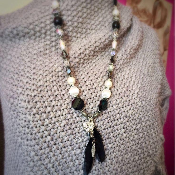 Een persoonlijke favoriet uit mijn Etsy shop https://www.etsy.com/nl/listing/520862019/necklace-gemstone-suede-silver-wood